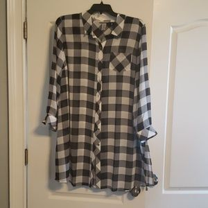 Catherine's black and white check button up